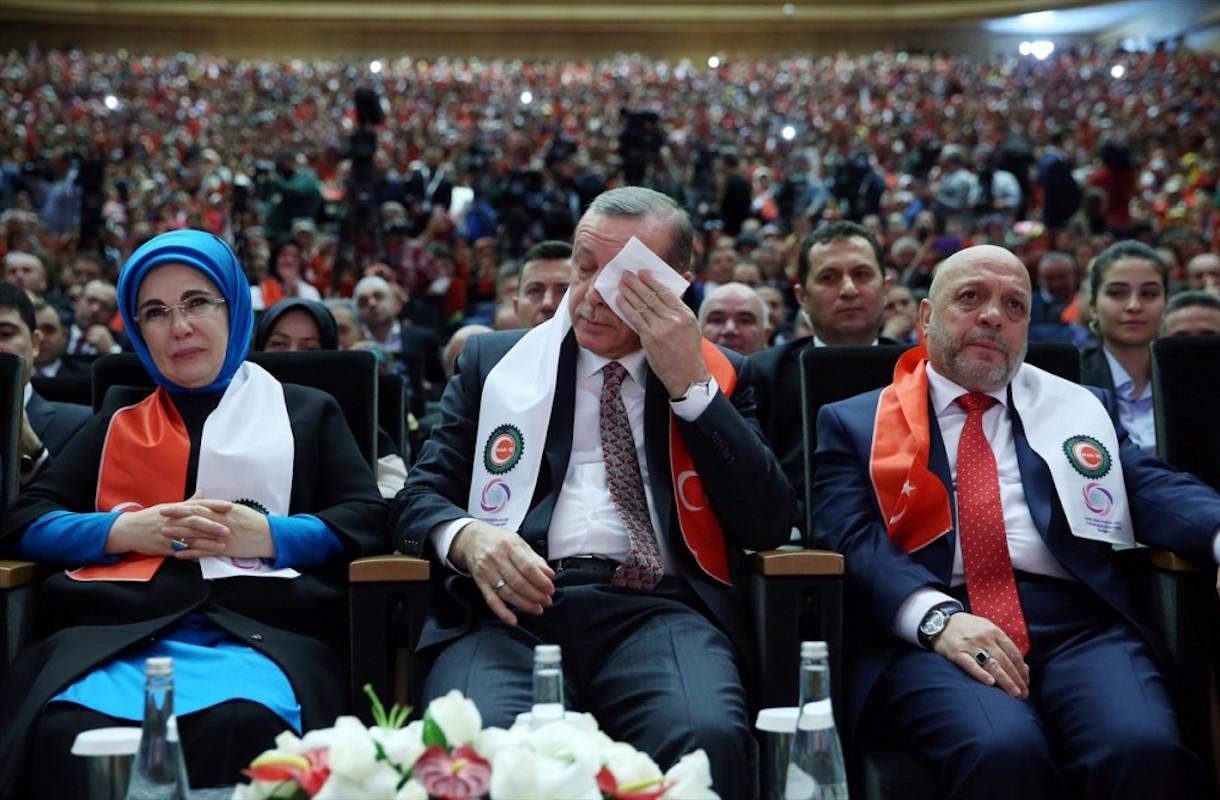 VİDEO |Yandaş sendika Erdoğan'ı ağlattı
