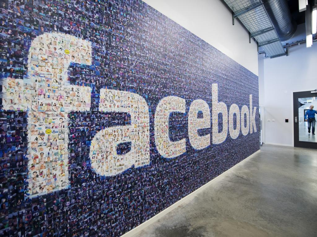 Facebook'tan Yeni Şafak'a cevap geldi