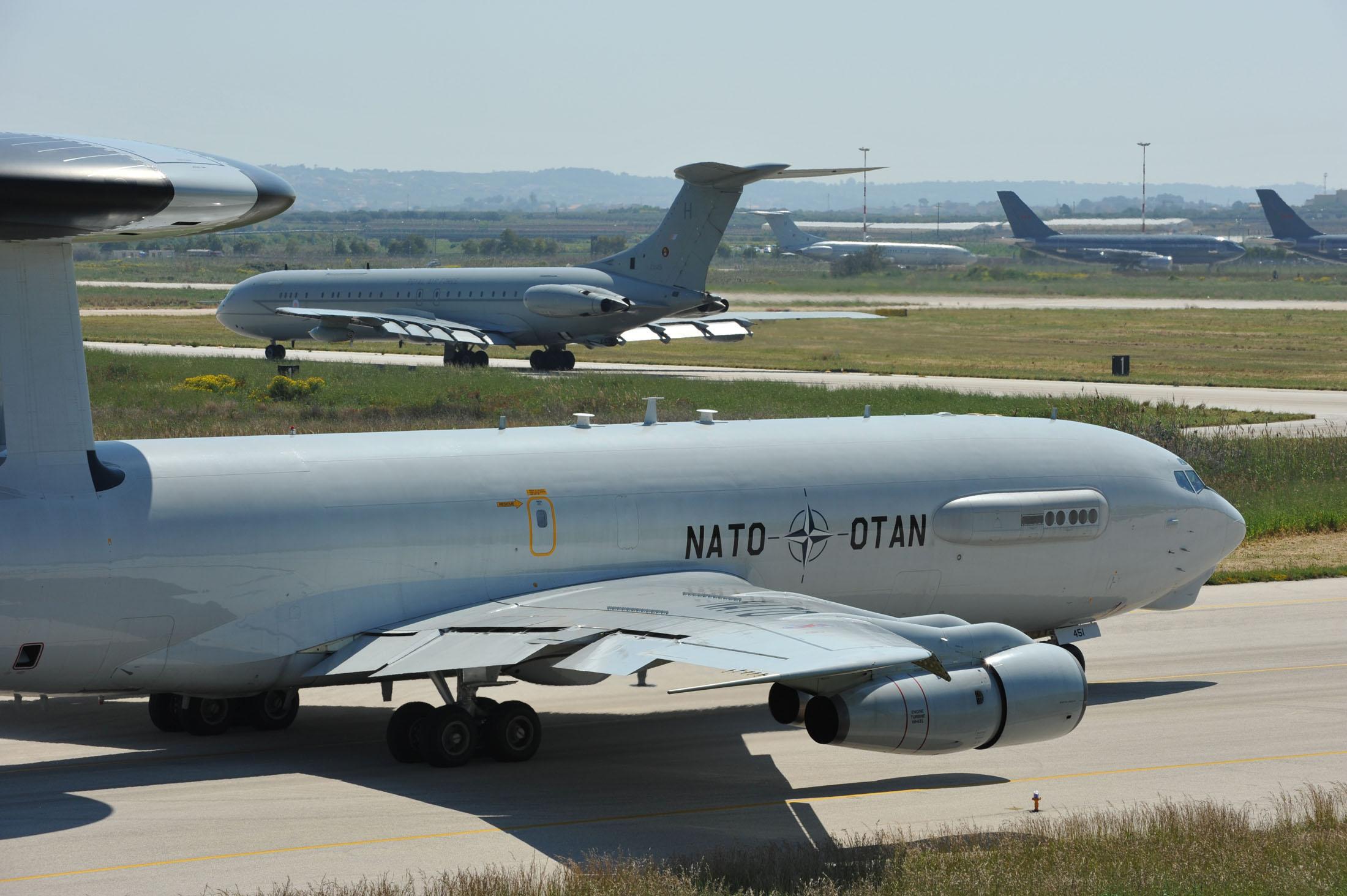 NATO'dan Türkiye uçuşu