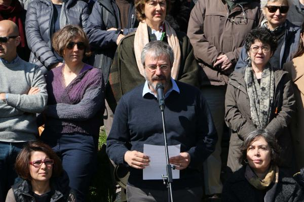 Boğaziçili öğretim üyelerinden tutuklu akademisyenlere destek