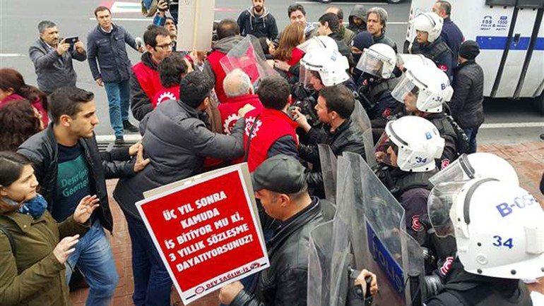 Dev Sağlık-İş üyelerinin yürüyüşüne saldıran polis 6 işçiyi gözaltına aldı