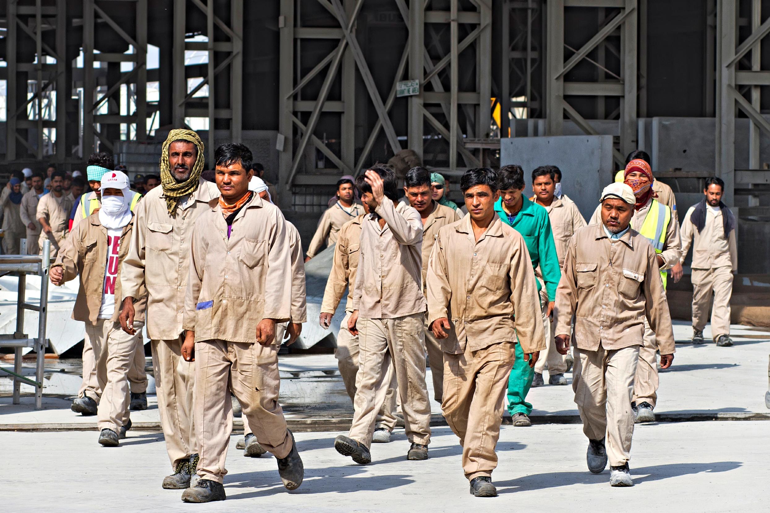 Petrol zengini Katar'da 2022 Dünya Kupası için zorla çalıştırma
