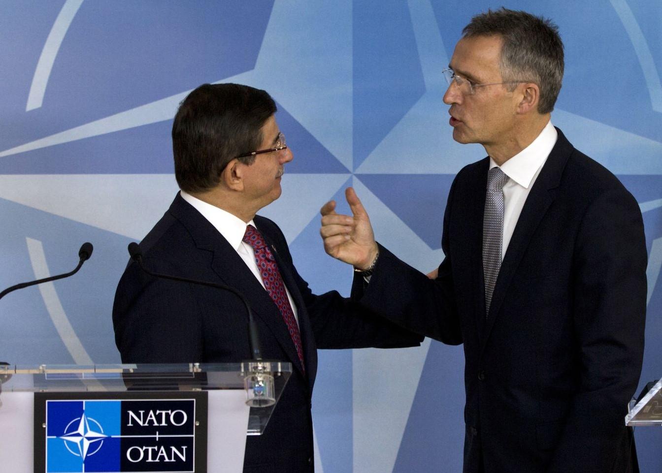 Davutoğlu: NATO varlığını sınırımızda görmek isteriz