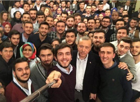 Erdoğan'a soru soran gençlerin kimliği ortaya çıktı