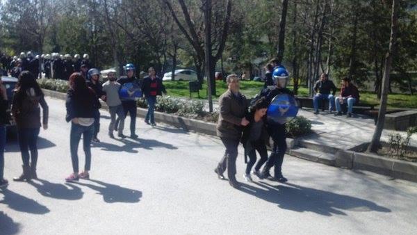 Üniversitede polis terörü: Öğrenciler sınavdan çıkarılıp gözaltına alındı