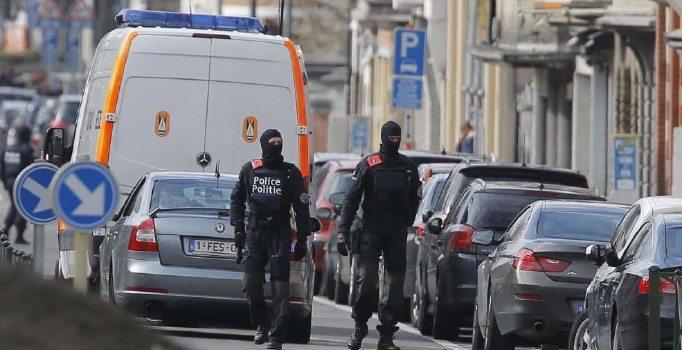 Brüksel'de patlama sesleri