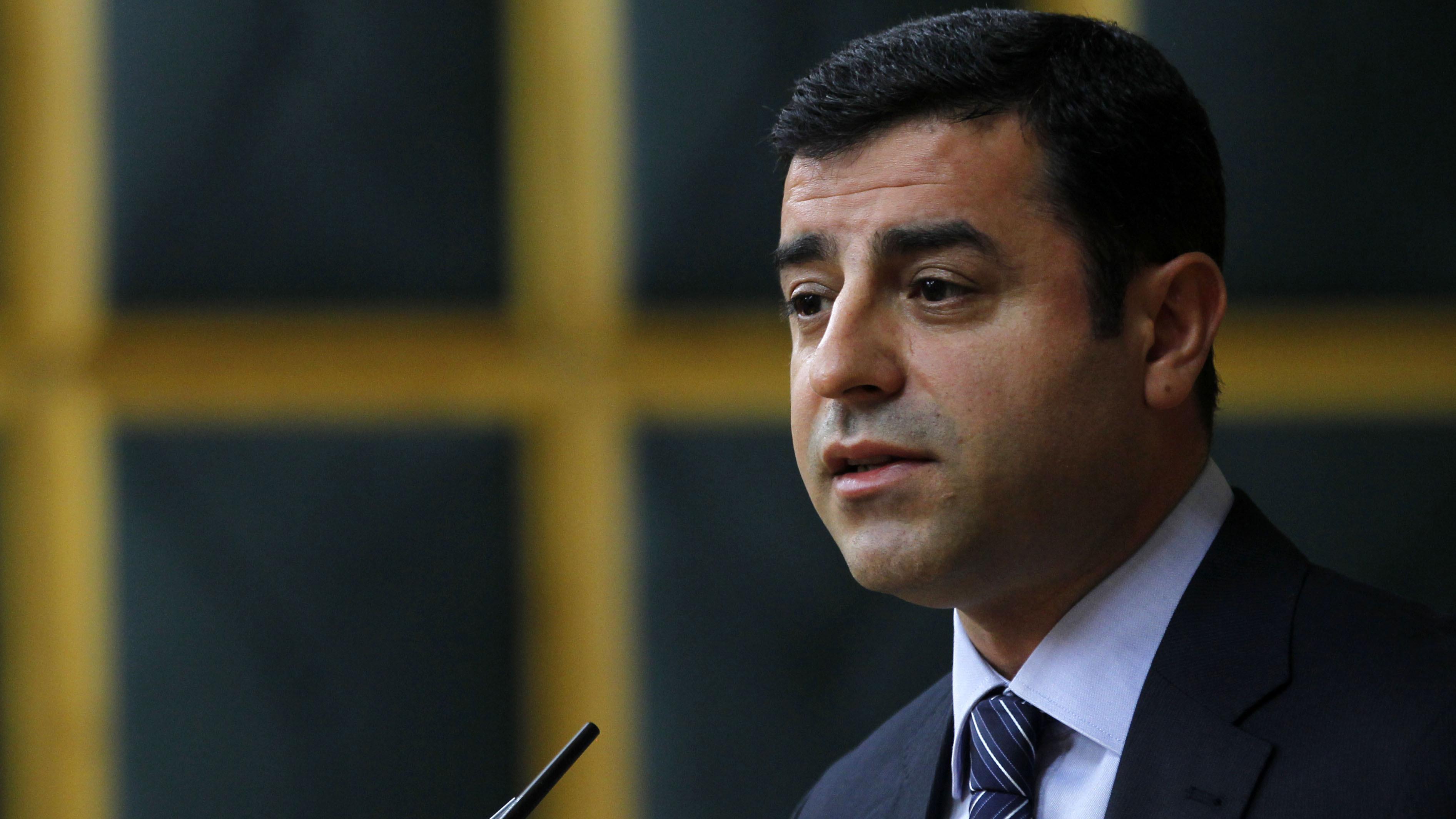Demirtaş, Başbakan'a ve meclisteki parti liderlerine çağrı yaptı