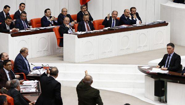 Efkan Ala fazla zorladı: Gezi olayları PKK'nin çekilmesini durdurdu!