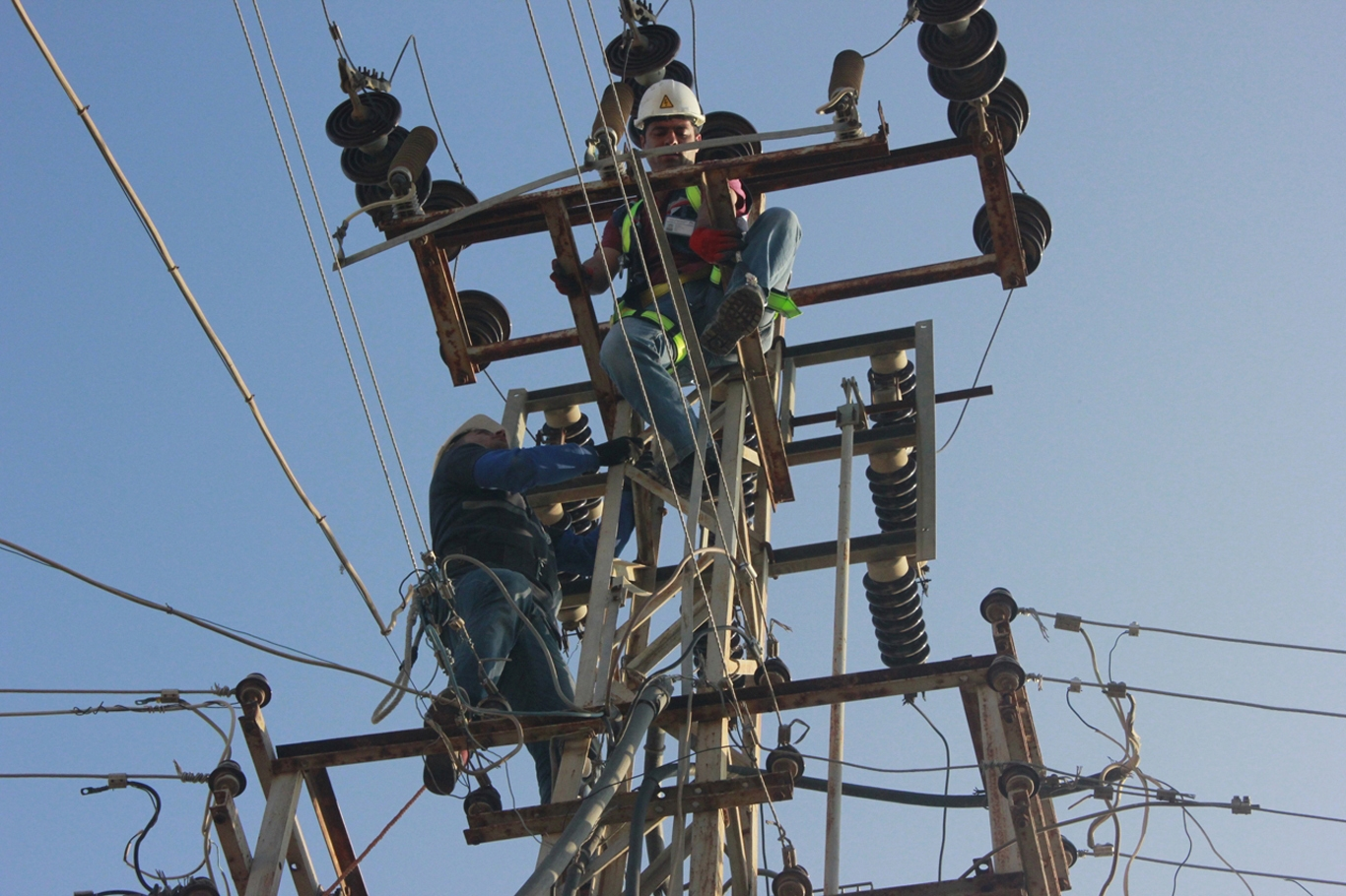 Elektriğe üç ayda ikinci zam!