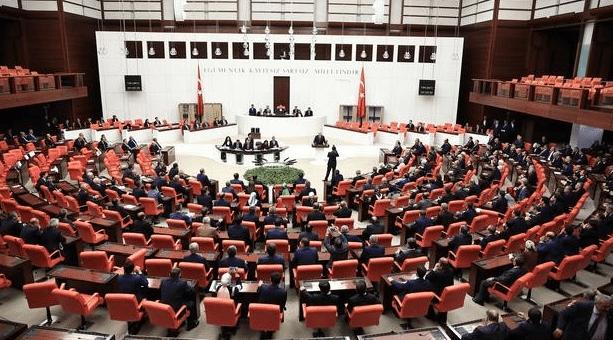 15 Temmuz'un siyasi ayağı için komisyon önergesi AKP'nin oylarıyla reddedildi!