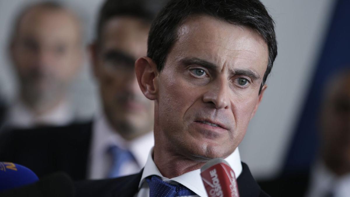 Fransa Başbakanı Valls: Üniversitede başörtüsü yasağından yanayım
