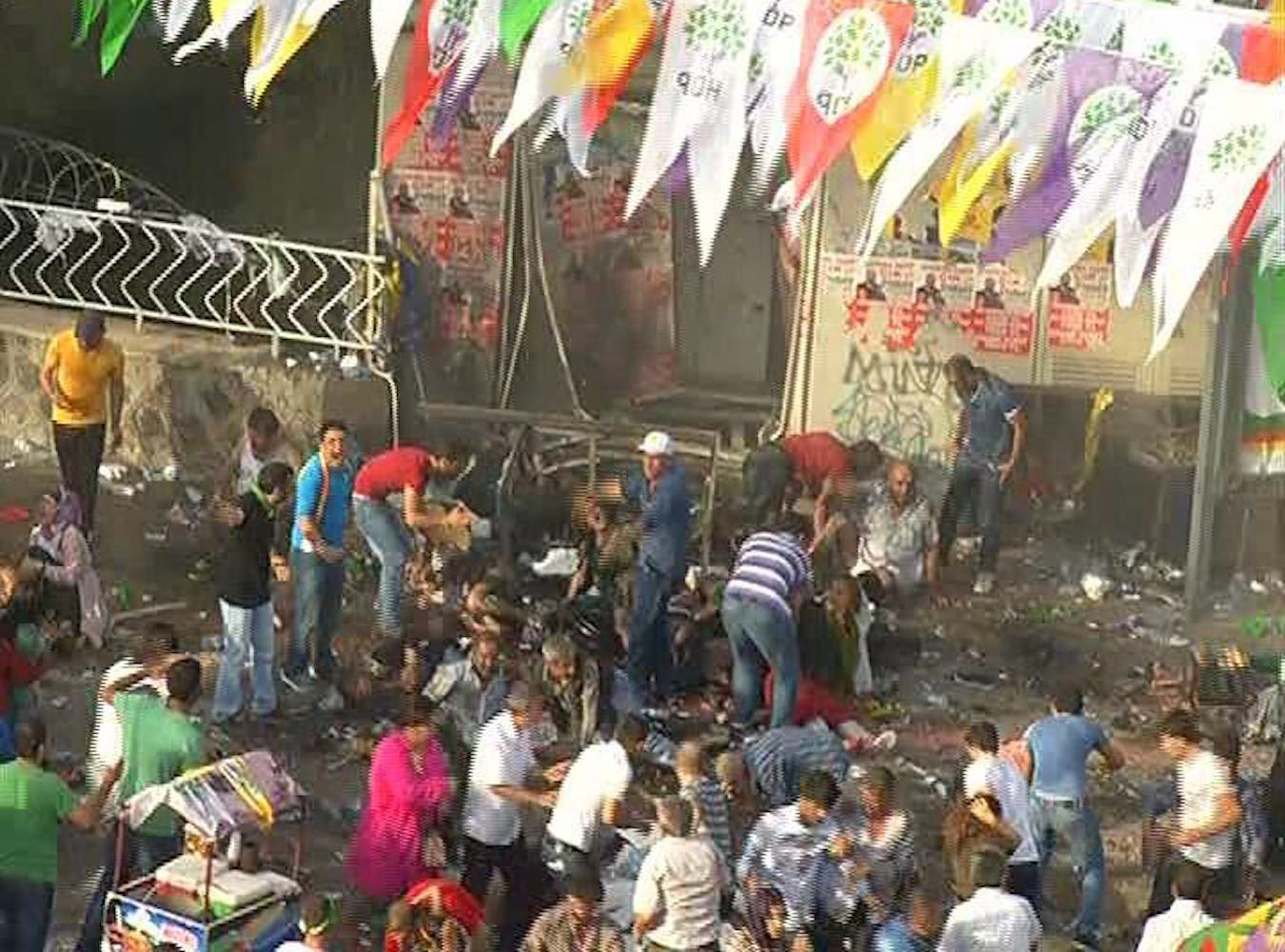 HDP Mitingi bombalamasına 5'er kez ağırlaştırılmış müebbet ve 6 bin 318'er yıla kadar hapis istemi