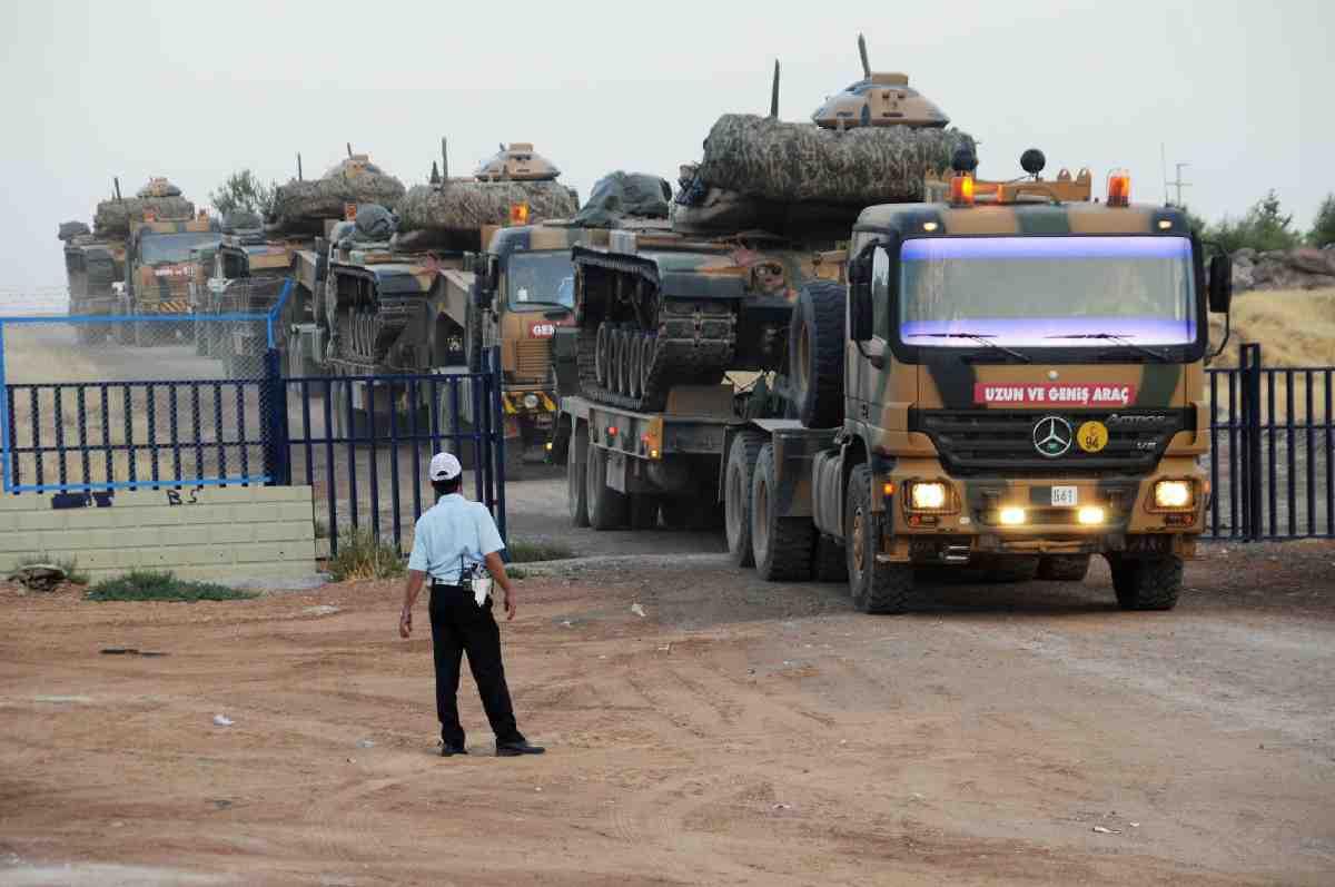 """""""Türkiye, Suriye sınırına askeri yığınak yapıyor"""" iddiası"""