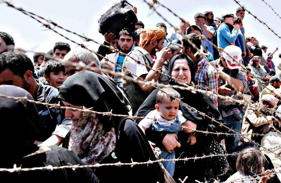 Suriye'den 100 bin kişi Türkiye'ye kaçıyor