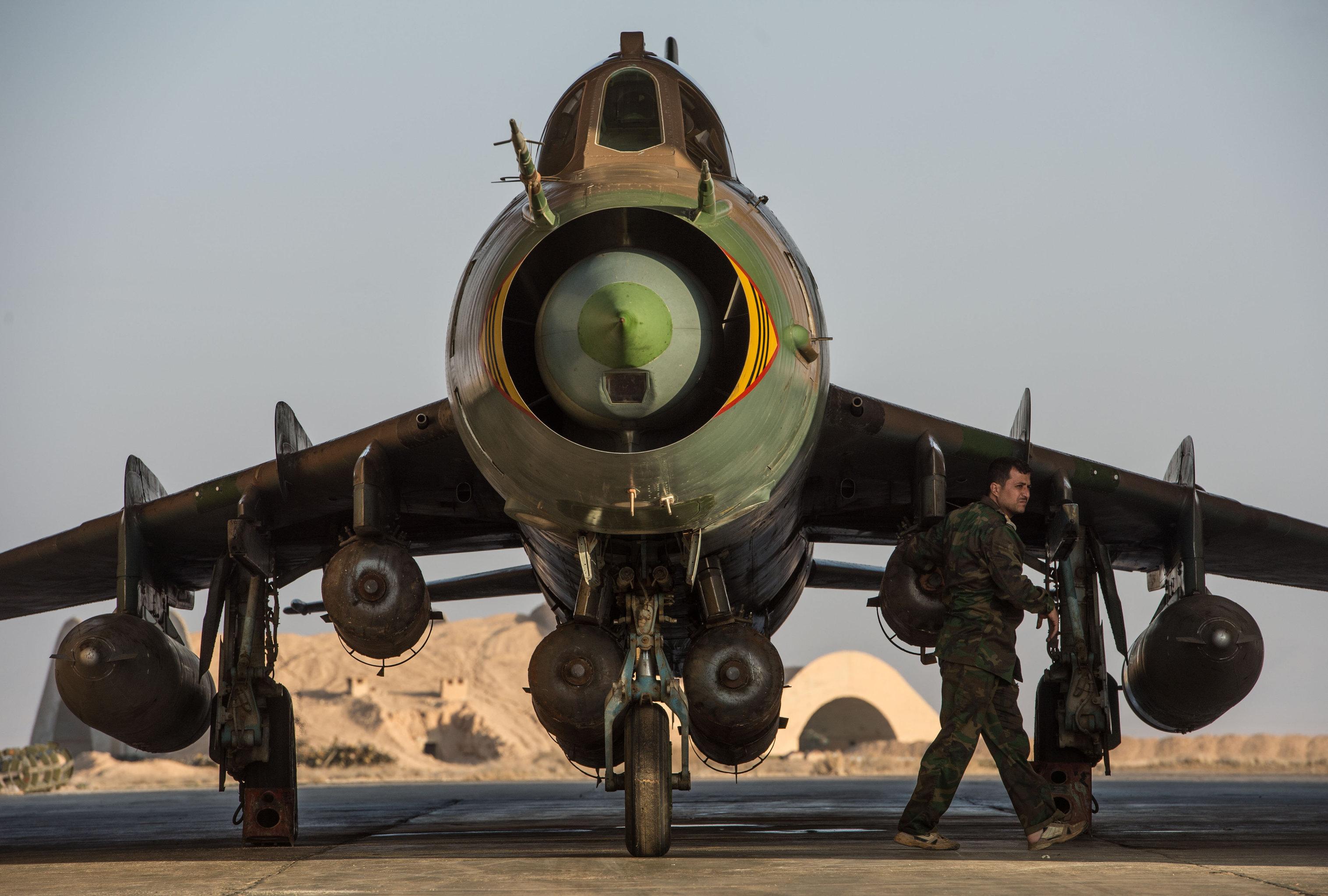 Halep'te düşürülen uçağın pilotu El Nusra'nın elinde