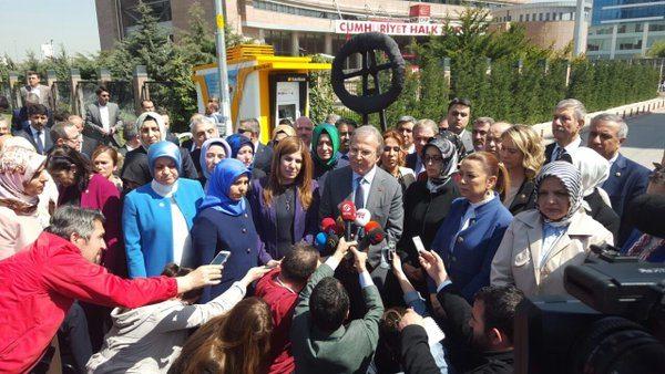 AKP'li kadınlar Ramazanoğlu eylemi yaptı, açıklamayı Şahin okudu