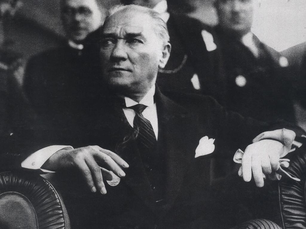 Mustafa Kemal tarih kitaplarından çıkartılıyor