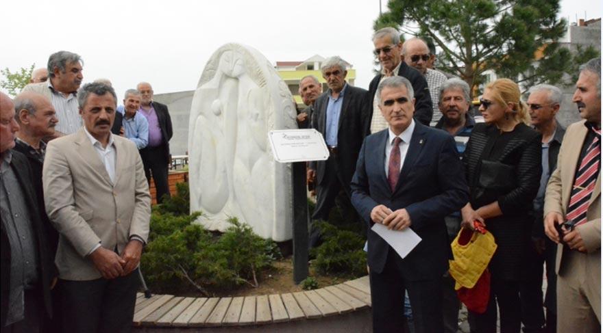 AKP'nin ilçe başkanı heykelden tahrik oldu