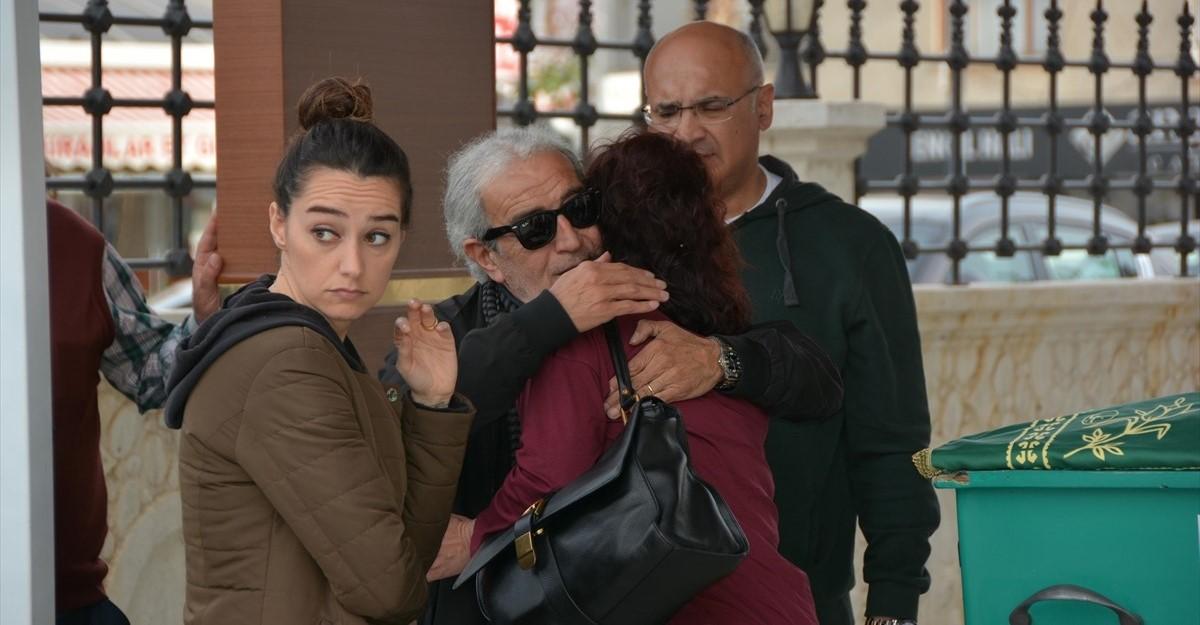 Edip Akbayram'ın annesi Türkan Akbayram gözyaşları içinde toprağa verildi