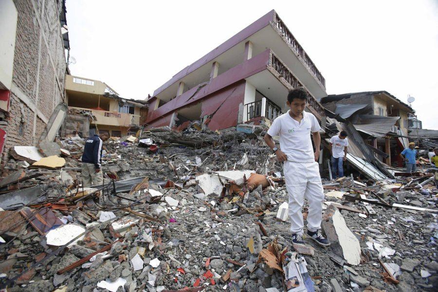 Ekvador'da depremde kaybedilenlerin anısına 8 günlük ulusal yas