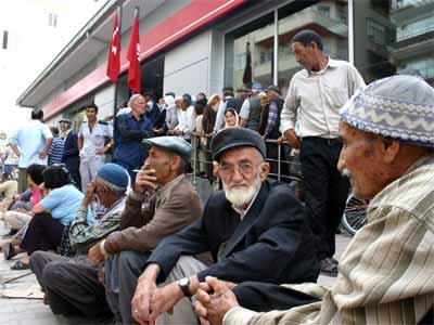 AKP'nin gönlünden koptu: Emekliye dalga geçen artış
