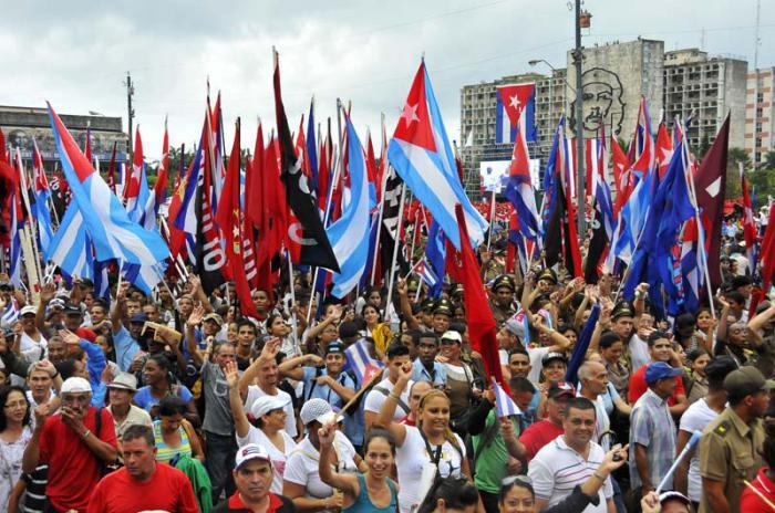 Küba'lı işçiler 1 Mayıs'ta Küba Devrimi'ni selamlayacak
