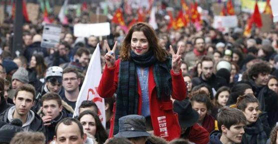 Fransa'da işçi ve öğrencilerin dayanışması kazandı