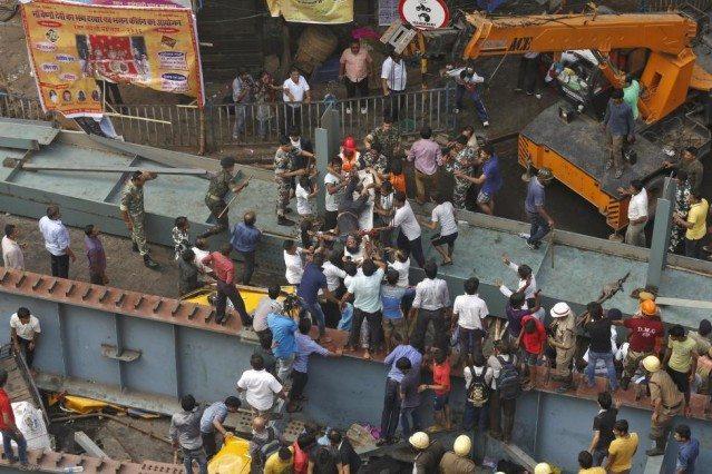 Hindistan'da çöken viyadüğün müteahhidi: Allah'ın takdiri