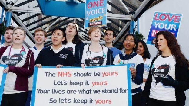 İngiltere'de hekimler grevde