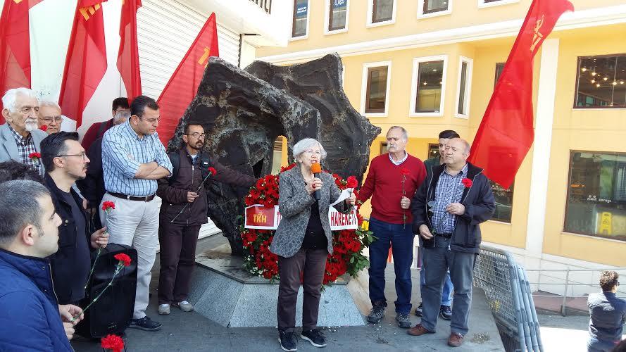 Komünistler 1 Mayıs 1977'de öldürülen işçileri andı: Onların yaşamı bu ülkenin geleceği olacaktır