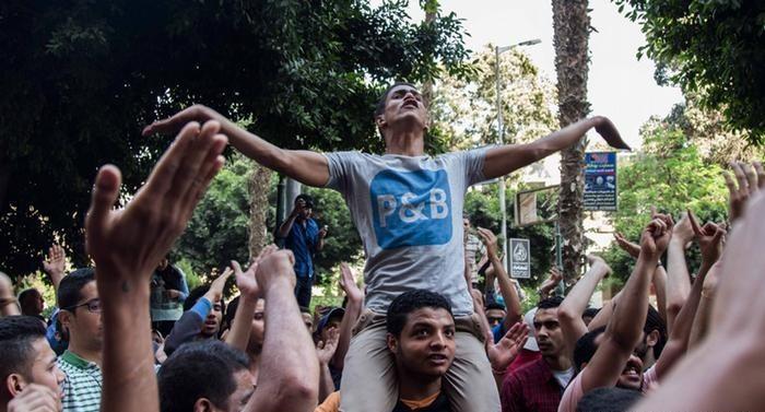 Suudi Arabistan'a verilen adalar Mısırlıları kızdırdı
