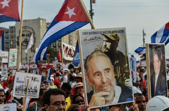 Küba'ya 1 Mayıs akını
