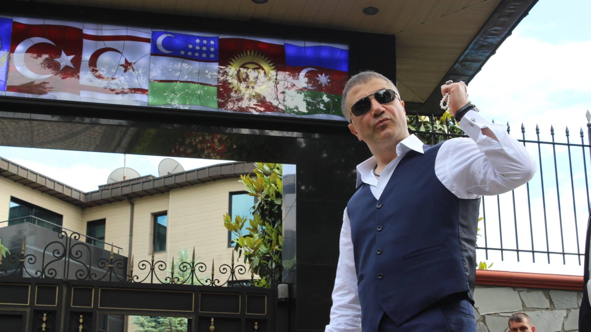 """Mafya babası Sedat Peker'e """"en iyi iş adamı"""" ödülü!"""