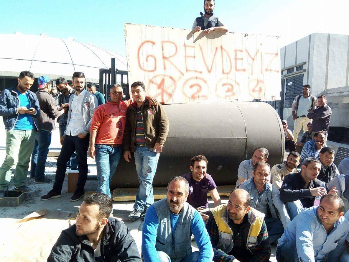 Cezayir'de gurbetçi işçilerin grev dalgası büyüyor