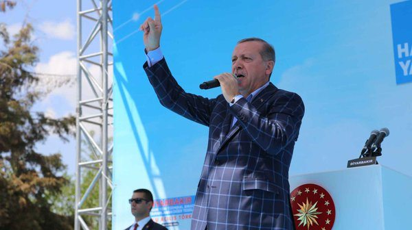 Erdoğan bildiğiniz gibi: Bunlar ateist, bunlar zerdüşt...