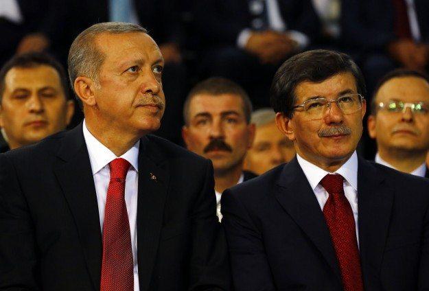 Erdoğan - Davutoğlu gerilimi Financial Times'ta