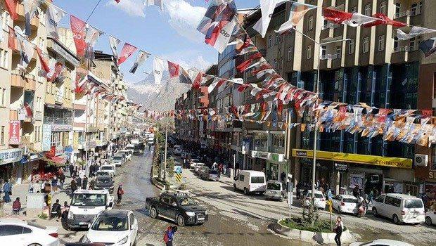 Hakkari'de tüm gösteri ve yürüyüşler yasaklandı