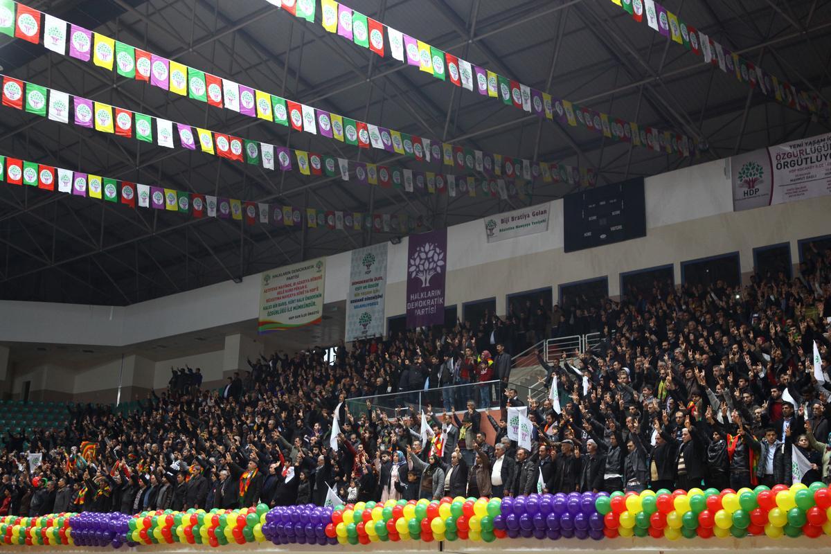 HDP'nin Diyarbakır Kongresi olaylı başladı