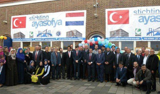 Hollanda camilere dış desteği kesmeye hazırlanıyor