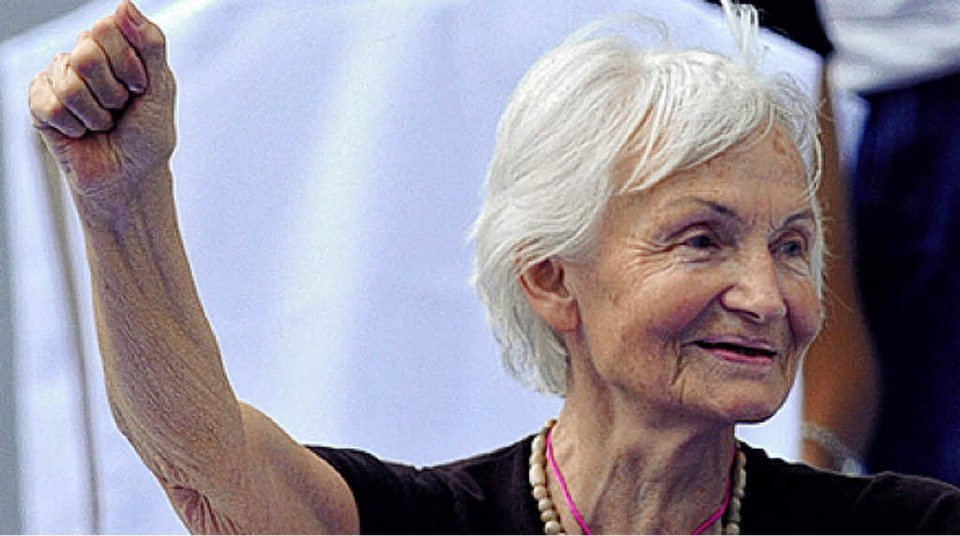 Margot Honecker yaşamını yitirdi
