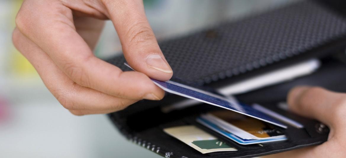 Kredi kartı faizleri bir kez daha arttırıldı