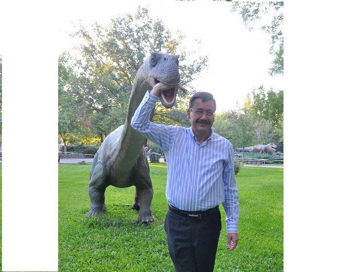 Gökçek'in dinozoru da gitti