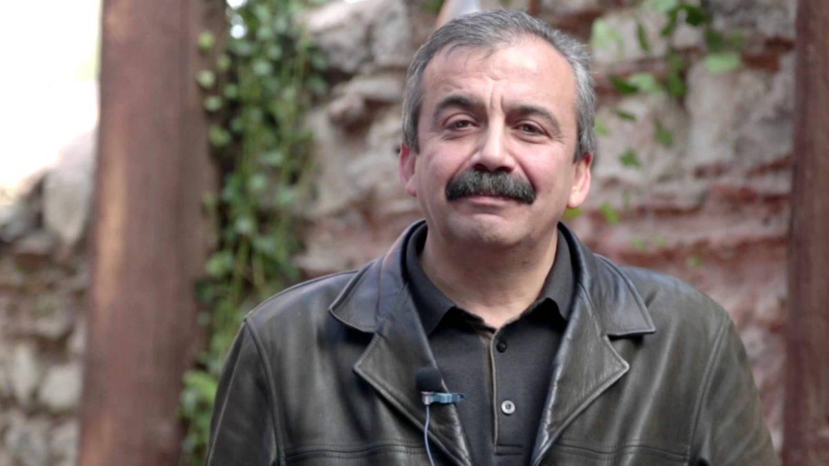 Sırrı Süreyya Önder Ahmet Davutoğlu'nu andı