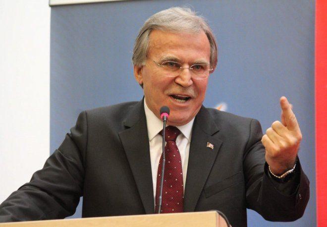 AKP'de saflar netleşiyor, odalar boşalıyor