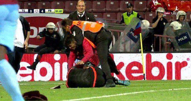 Olaylı maçta karar açıklandı: Trabzonspor'a 4 maç ceza!