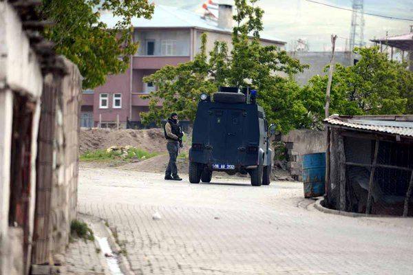 Van'da patlama: 2 polis yaşamını yitirdi