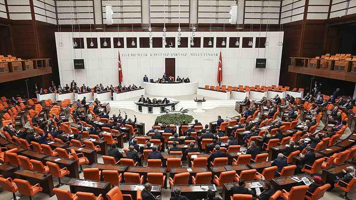 AKP ile MHP Seçim ittifakı teklifi TBMM Anayasa Komisyonu'nda