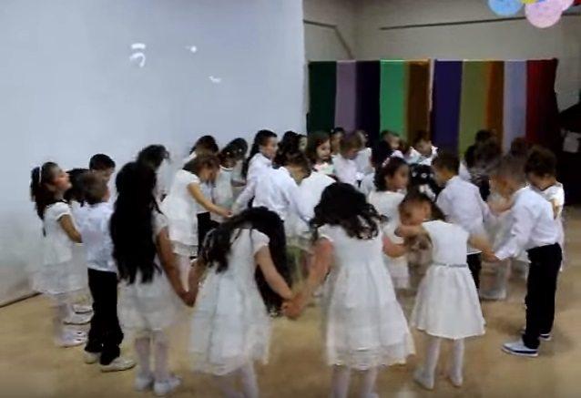 Gericiliğe tüy dikildi: Sakarya'da 3 yaşında çocuklara zikir çektirdiler!