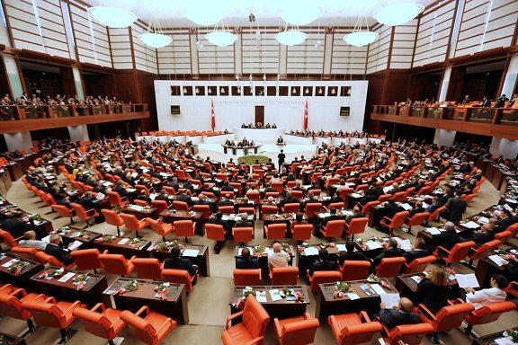 AKP sonuç alana kadar meclisi açık tutacak