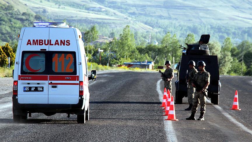 Van'da bombalı tuzak: 2'si ağır, 6 polis yaralı